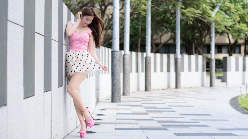 高跟鞋美女超清壁纸